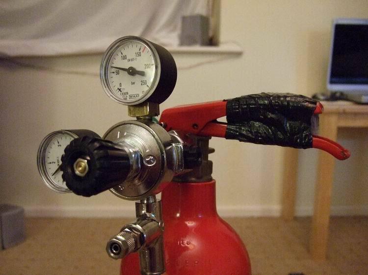 hasicí přístroj 7